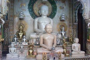 Shantinath statue at Shri Mahavirji temple