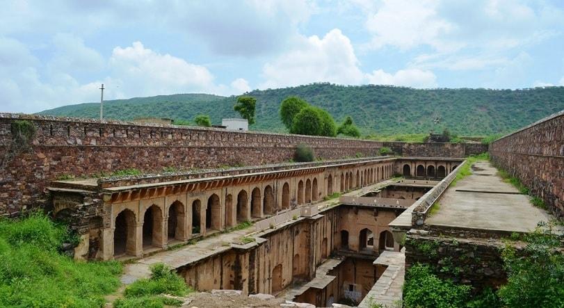 neemrana baoli near Jaipur