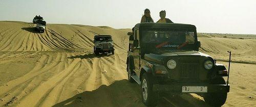 Jeeps at sam sand dune Jaisalmer