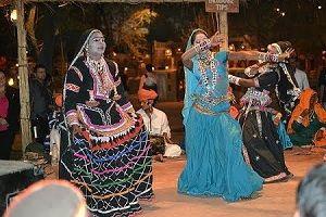chokhi dhani dance show