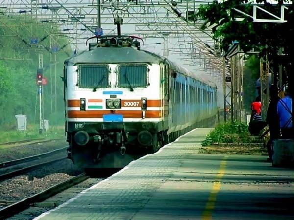 Details on Delhi to Jaisalmer trains, flights & road distance & on-route sites