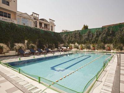 Park Regis Hotel Jaipur pool